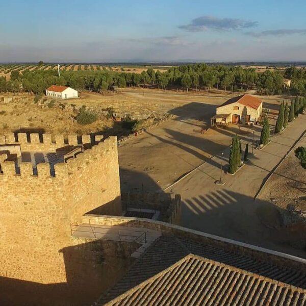 La Junta de Gobierno aprueba el proyecto para el estudio de impacto ambiental de la rehabilitación del entorno del castillo de Peñarroya