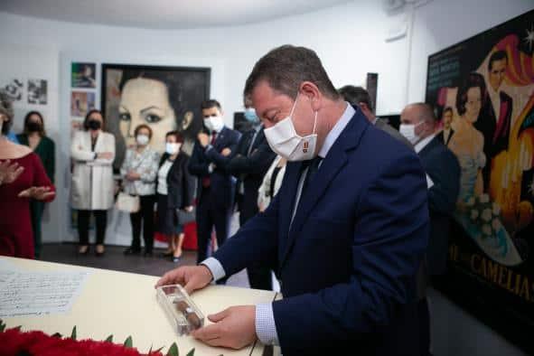 García-Page anuncia nueva iluminación para los molinos de Criptana y avanza que la gastronomía centrará la participación de Castilla-La Mancha en Fitur 2022